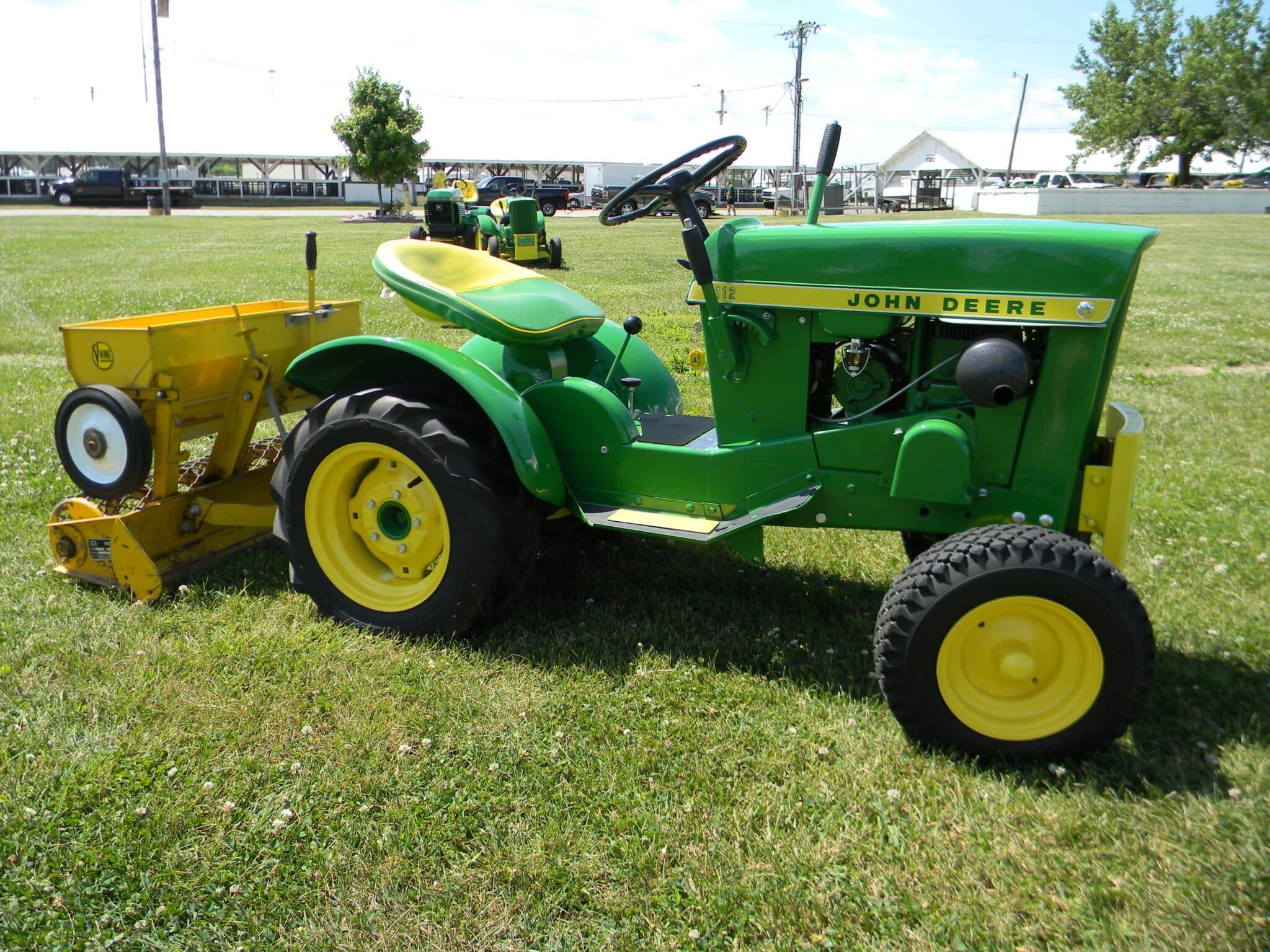 Vintage Lawn And Garden Tractors : John deere weekend of freedom event schedule dodge