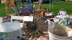 Vintage Decor at the Flea Market