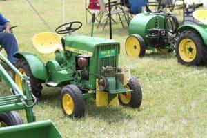 John Deere 1964 JD 110 Lawn and Garden Tractor